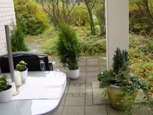 Nase hnizdecko lasky:)))) - ..tak jsme oblikli i terasku do podzimniho:)