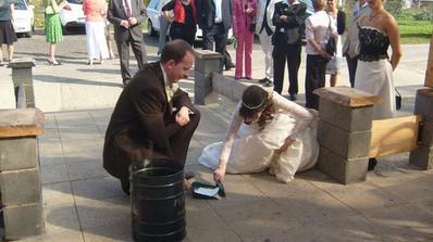 No jo to uklizeni, toho se nezbavime ani o svatbu :D Manzel byl dost v soku :D