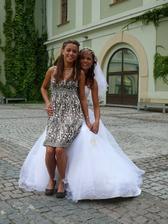 Nevěsta se sestrou - svědkyní