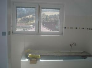 """Konečne zmizla z okien fólia, aj keď je výhľad ešte """"matný"""" ... zajtra umývam..."""