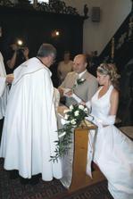 """..""""farář v kostele nás sváže navěky"""".."""