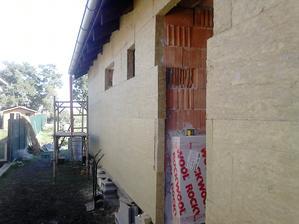21.8.16 tak sme začali zateplovať steny
