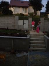 deti majúp plážovú párty a my zašpárovanú zamkovú dlažbu...:-)