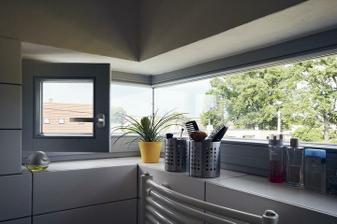 tiez dobre okno do kuchyne...