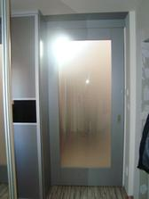 supacie dvere... pohlad z kuchyne...