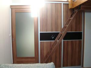 Supacie dvere ... pohlad z obyvacky + Schodiky do spalne :-)