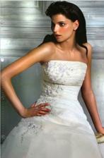 moje svatební šaty na modelce