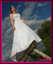 svatební šaty na mně