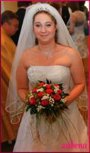 jedna vysmátá (naše svatba byla opravdu vysmátá) se závojem