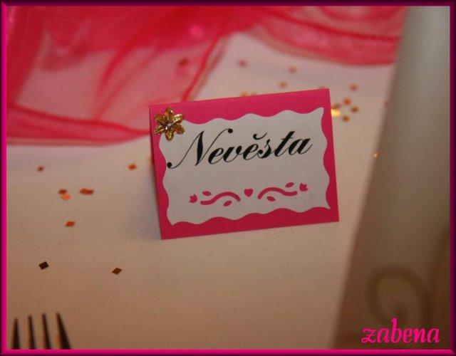 Jmenovka na svatební tabuli