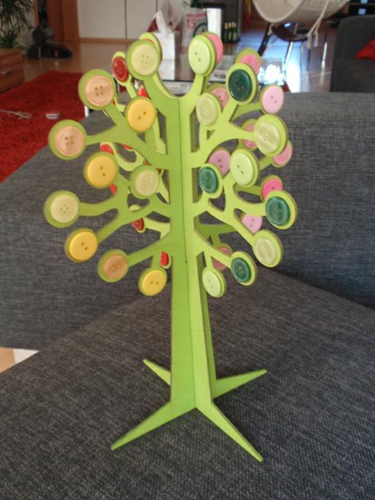 Co už mám - Nejnovější úlovek - strom, knoflíky jsem nalepila sama.