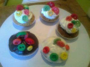 Muffiny s knoflíky :-)