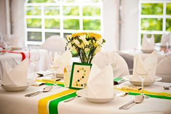 Zeleno-žlutá verze stolu.