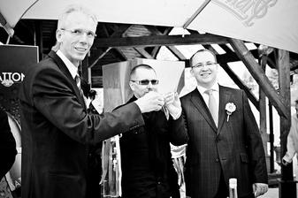 Přípitek mého tatínka, kamaráda ženicha a ženicha.