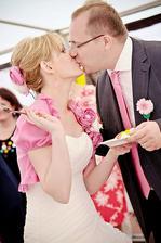 Sladká pusa po ochutnávce dortu.