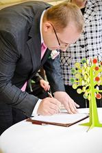 Ženichův podpis.