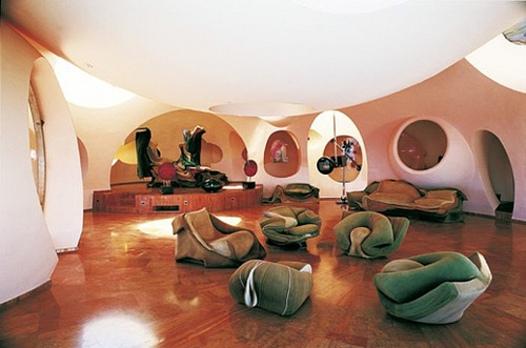 Vynálezy - vila Piera Cardina