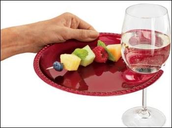 Vynálezy - párty tanierik, cena 16 dolárov za kus :-)