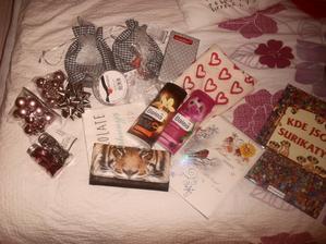 pondělní nákupy a první dárečky...:)