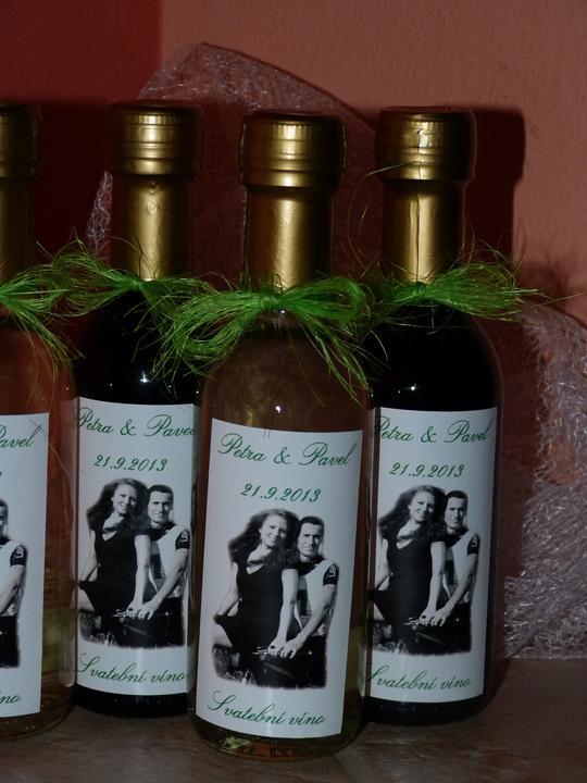 Vína, minivína, čokoládky s originální etiketou - Obrázek č. 1