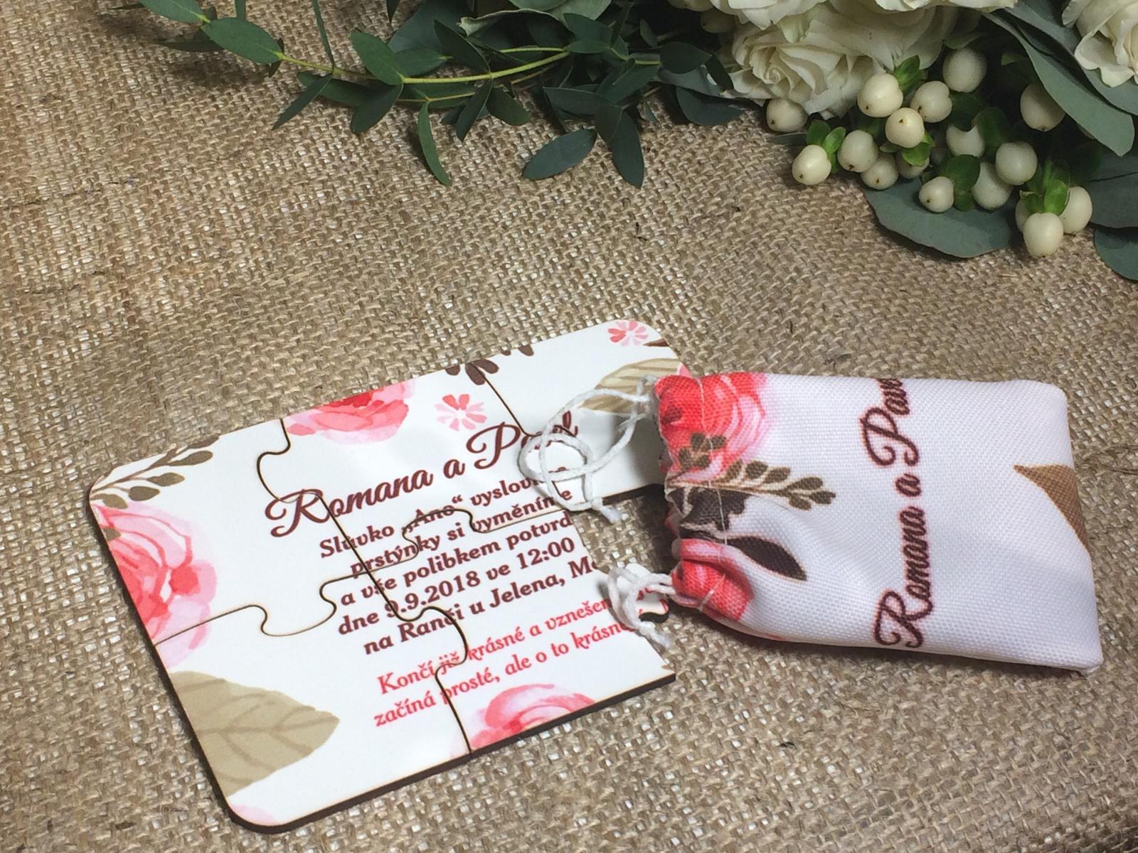 Svatební oznámení na míru přímo Vám :-) - svatební oznámení ve formě pevných puzzlíků v pytlíčku s potiskem, jedinečný nápad z www.slavnostnichvile.cz, motiv na přání