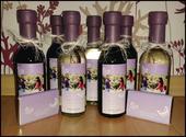 Svatební víno a minivíno s originální etiketou,