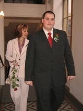 manžel a zaním jeho maminka