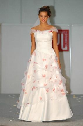 Svatební šaty - růžové i červené až do bordó - Obrázek č. 4