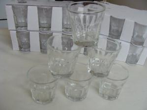 30 ks skleniček na alkoholové želé