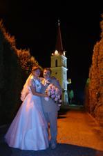 nočné fotenie pri kostole
