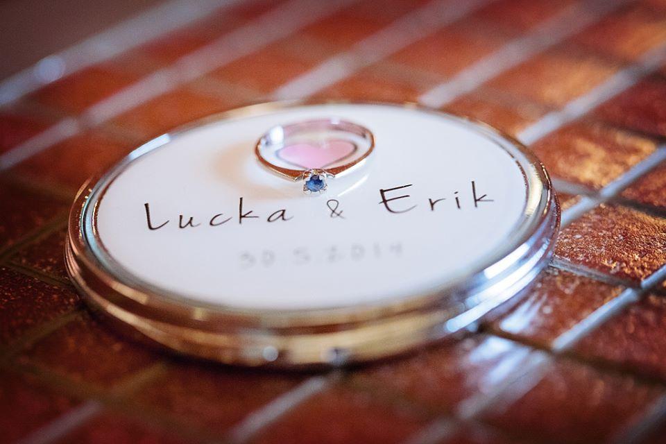 Lucka{{_AND_}}Erik - moje svatební zrcátko od Design empathy ... a zásnubní prstýnek se safírem (mám totiž hrozně ráda modrou :)