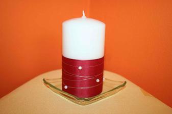A jedna svíčka v detailu.