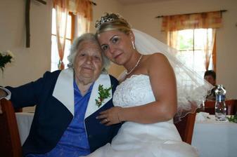 ..moje babička...slavila s námi až do rána :c)