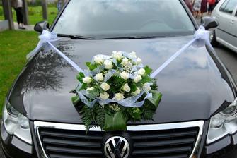 výzdoba aut pro něvěstu a ženicha