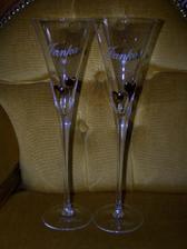 ... naše poháre ...