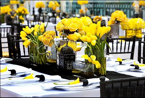 Cierno bielo zlta svadba :-) - Obrázok č. 1