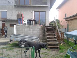 V plnom prúde začiatky prác na budovaní novej izby :)