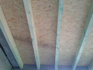 Veľmi veľmi veľmi komplikovaný strop lebo v celom LM bol ochotný len 1 jediný murár to spravit a som šťastná, že sme konečne natrafili na murára ktorý sice niee mega rýchli ale robí 150%