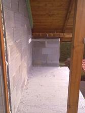 Takže pôvodne balkonik, dnes už moja terasa a strop kuchyne rodicov :) menime a menime a prerabame nonstop :/