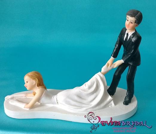 Napady na svadobne figurky - Obrázok č. 1