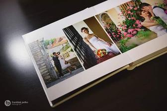 Tak isto sme si u neho dali spraviť knihu s fotkami :)