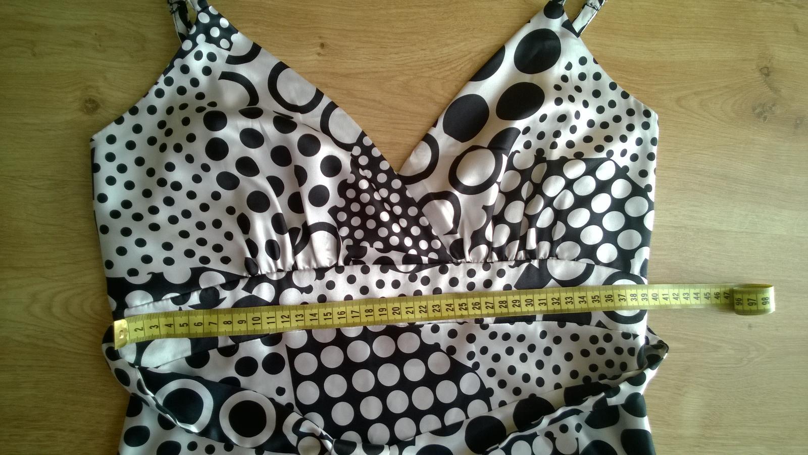 Saténové šaty  - Obrázok č. 3
