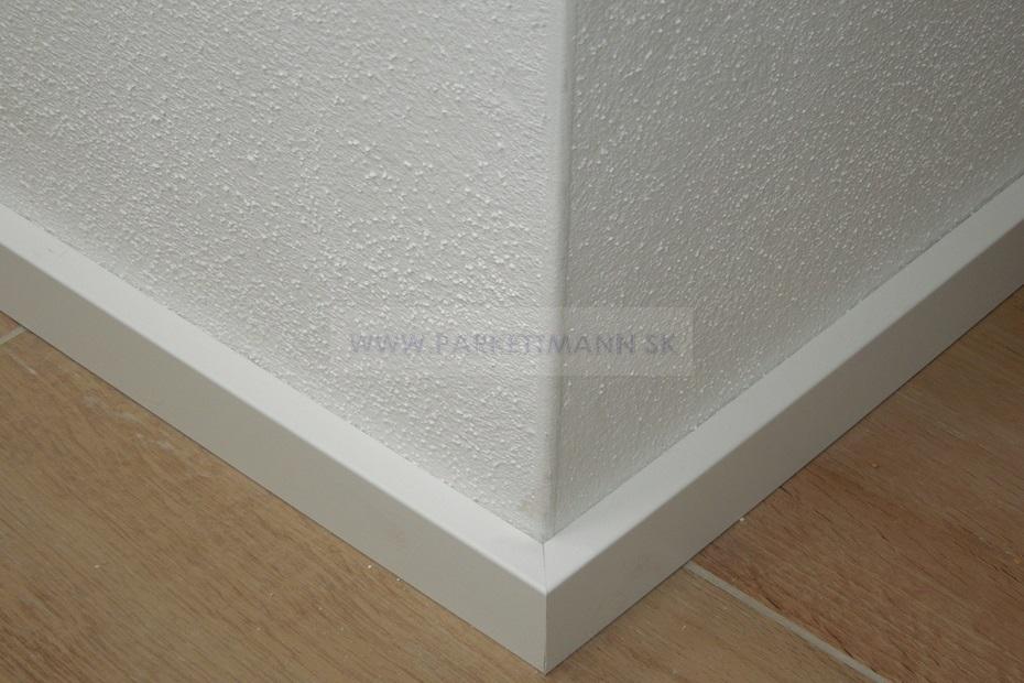 Vysoké biele parketové lišty - Obrázok č. 4