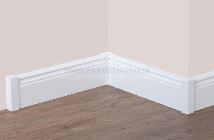 Vysoké biele parketové lišty - Ukončovacie hranolčeky a finálny vzhľad