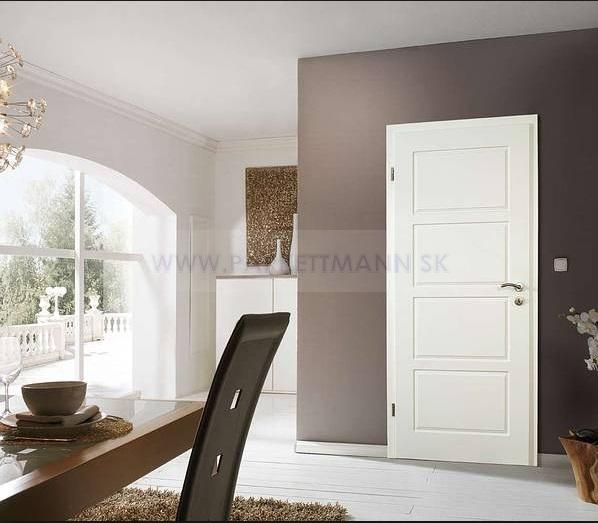 Vysoké biele parketové lišty - Obrázok č. 25