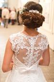 Svadobné šaty s elegantnou krajkou , 36