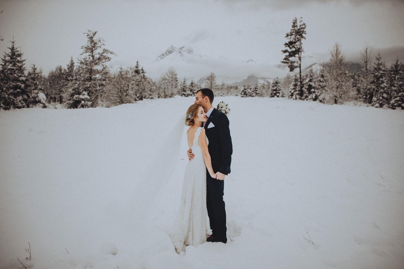 Tatranská zimná svadba - výhľad na Lomnický štít
