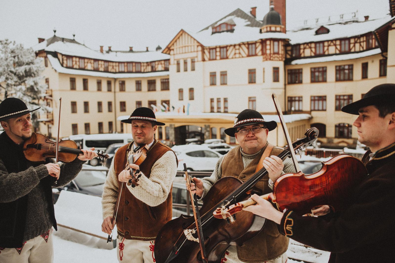 Tatranská zimná svadba - za nami Grand hotel a do toho krásny spev chlapcov zo Ždiaru