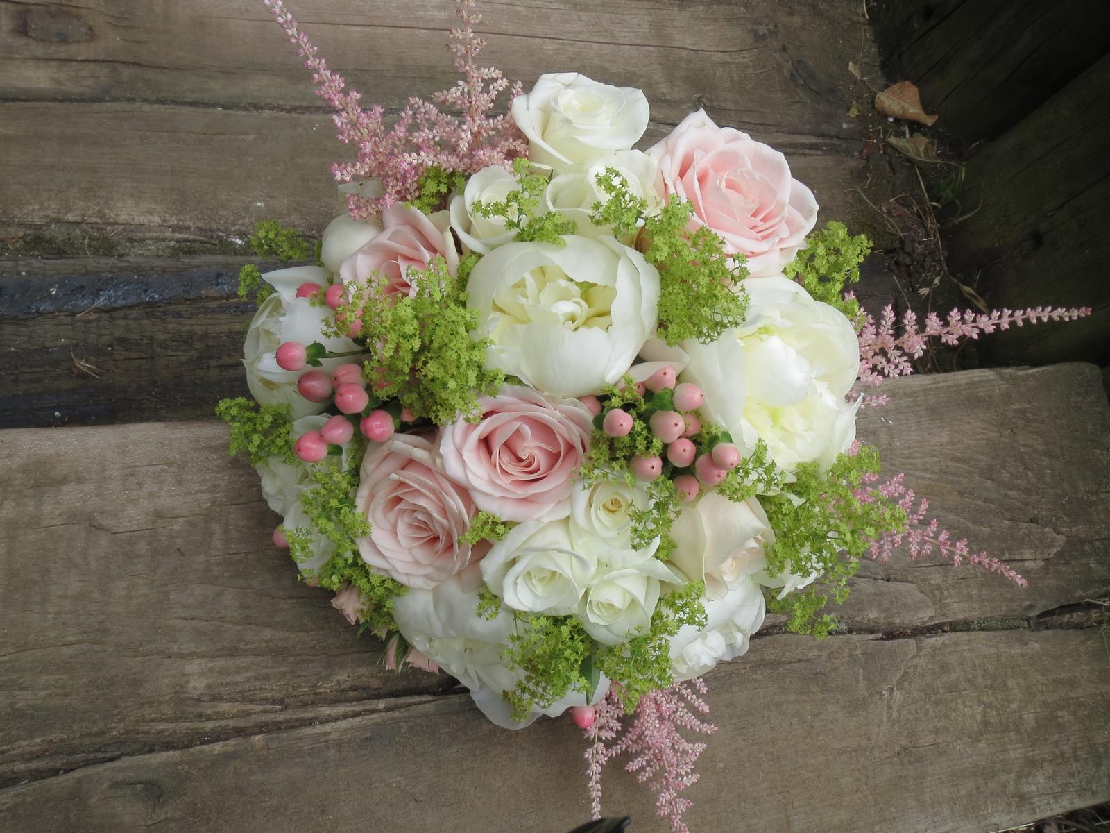 Kolik Stoji Kvetinova Vyzdoba Svatebni Vyzdo