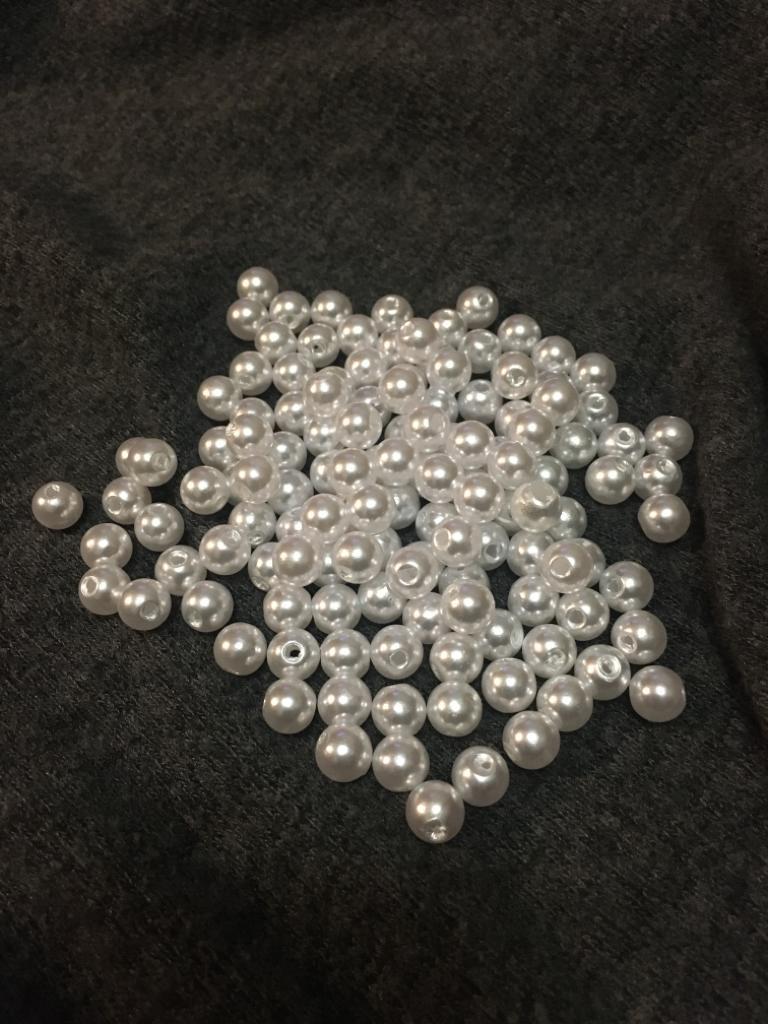 Biele perleťové korálky - Obrázok č. 1